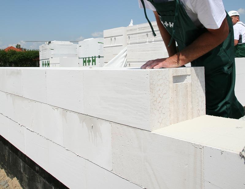 Przygotowanie do murowania ścian - jak obliczyć ilość potrzebnych materiałów