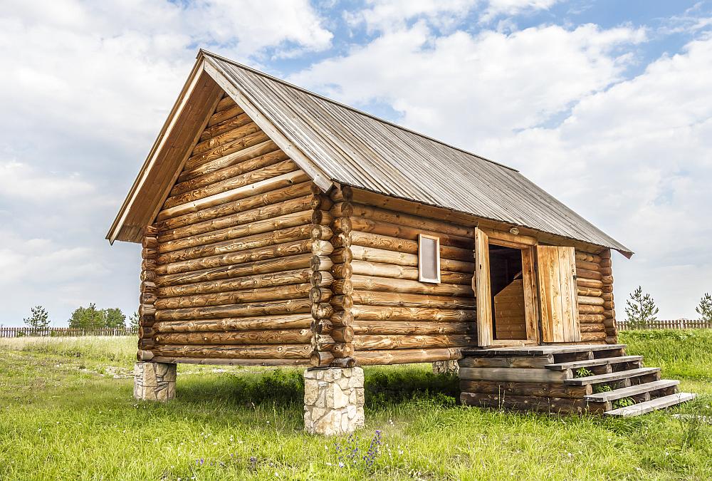 Mini dom drewniany