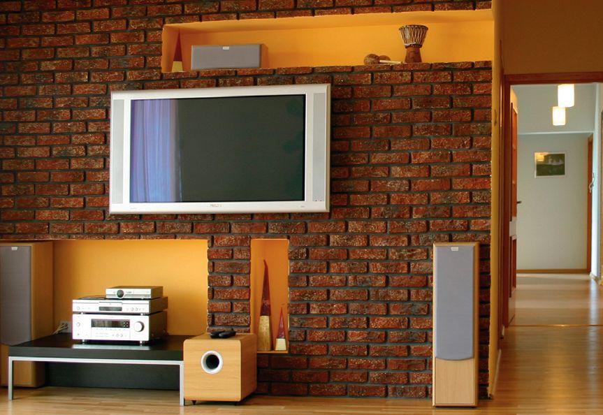 Dobry sposób na montaż telewizora na ścianie – zabudowa z płyt g-k