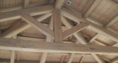 Jak ocieplić dach, żeby od strony poddasza było widać więźbę i poszycie?