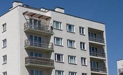 Usterki w części wspólnej nieruchomości. Kiedy remont w bloku na koszt dewelopera?