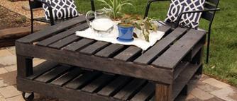 Meble ogrodowe z palet. Pomysły na oryginalne meble do ogrodu i na taras [ZDJĘCIA]