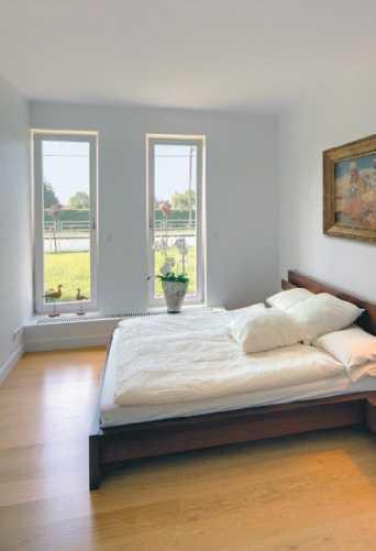 Sypialnia z widokiem na ogród