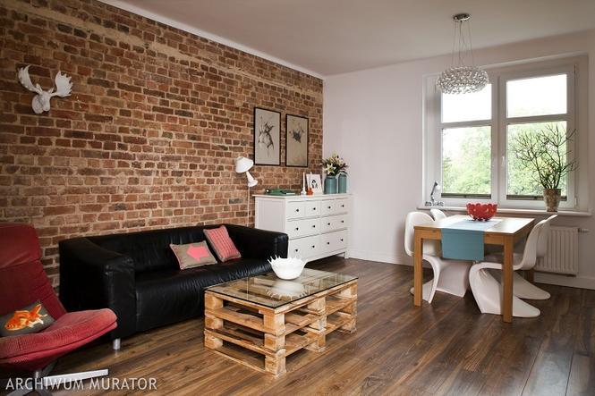 Wykończenie ścian w salonie