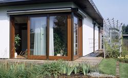 Okna plastikowe czy drewniane - które z nich wybrać budując dom?