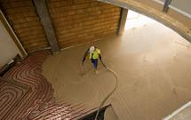 Para idealna w budownictwie - wylewka anhydrytowa i ogrzewanie podłogowe