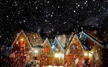 Zewnętrzne dekoracje bożonarodzeniowe: Jak ozdobić dom świątecznym oświetleniem?