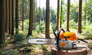 Jak przygotować drewno opałowe? Niezbędne urządzenia i akcesoria