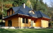 Dom z bali - czy opłaca się kupić stary dom drewniany?