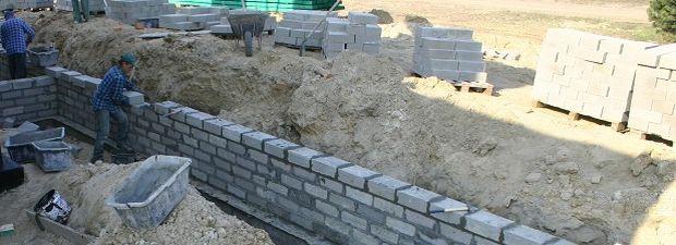 Zaprawa murarska: parametry gotowych zapraw: murowanie fundamentów